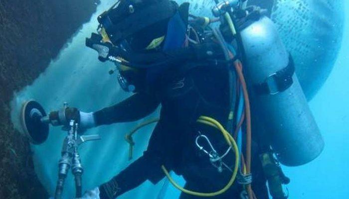 1012_02_diving_car